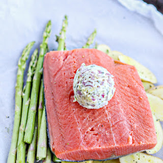 Salmon en Papillote with Asparagus and Potatoes