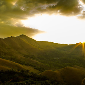 sun ray... by Kiran Ark - Landscapes Cloud Formations ( clouds, mountain, sunset, landscape, rays, Earth, Light, Landscapes, Views )