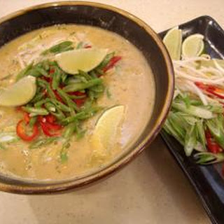Curried fish soup (Me ga thi)