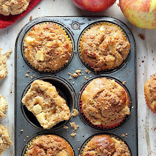 The Best Apple Crumb Muffins