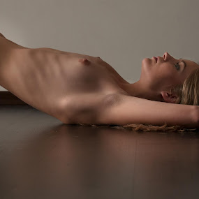 Anastasia by Danny M - Nudes & Boudoir Artistic Nude ( kiev )
