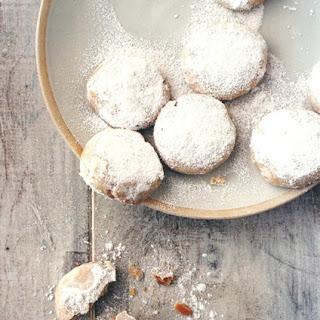 Cardamom and Cashew Cookies.