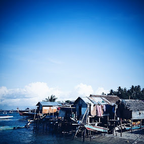 Bajau laut village at Mabul... by Nur Azmie - Buildings & Architecture Homes ( vscooftheday, visitmalaysia2014, vscomalaysia, vscocam, mabul, lifestyle, vmy2014, travel, sipadan, seagypsie, sabah, vsco )
