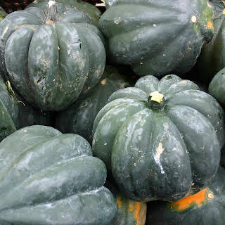 Roasted Acorn Squash Stuffed with Mushroom and Sage – Veggie Dish.