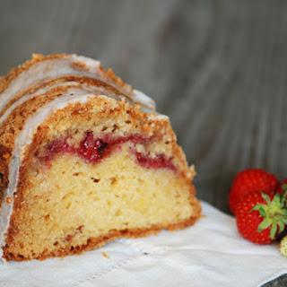 Strawberry-Sour Cream Coffee Cake