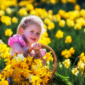 girl with daffodils by Gary Parnell - Babies & Children Children Candids ( daffodil, young girl, flowers )