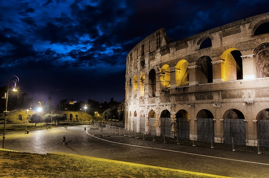 The Colosseum by Sandro Manicone Profilo Artistico - Buildings & Architecture Public & Historical ( architecture colosseum city )