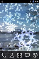 Screenshot of Snowing Snowflakes Wallpaper