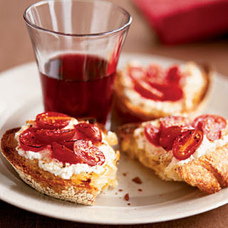 Broiled Ricotta-Tomato Toasts