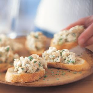 Lemon Chicken Salad on Crostini
