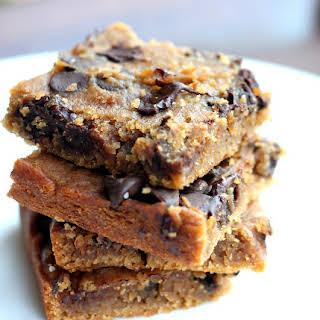 Flourless Chocolate Chip Chickpea Blondies with Sea Salt {vegan, gluten-free & healthy}.