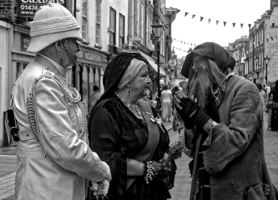 Fagin Meets Queen Victoria by Tracy Hughes - People Street & Candids (  )