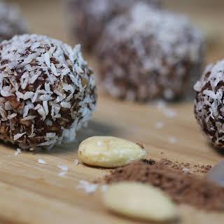 Easy Chocolate Truffles (no-bake, vegan).