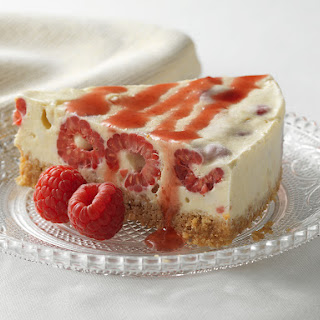 RASPBERRY MERINGUE CHEESECAKE