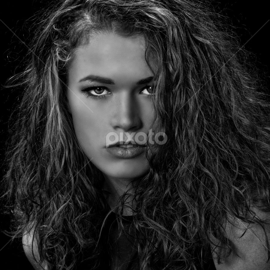 Portrait BW by John Phielix - Black & White Portraits & People (  )