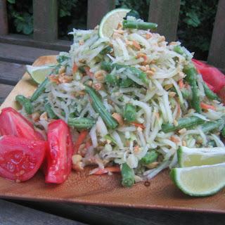 Green Papaya Salad (Som Tam).