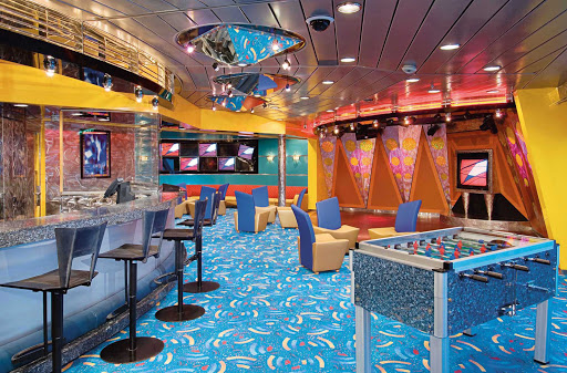 Enchantment-of-the-Seas-Fuel-Disco - Enchantment of the Seas offers teenage guests with a nighttime area called Fuel Disco.