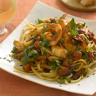Linguine With Shrimp, Tomatoes, Olives, and Capers