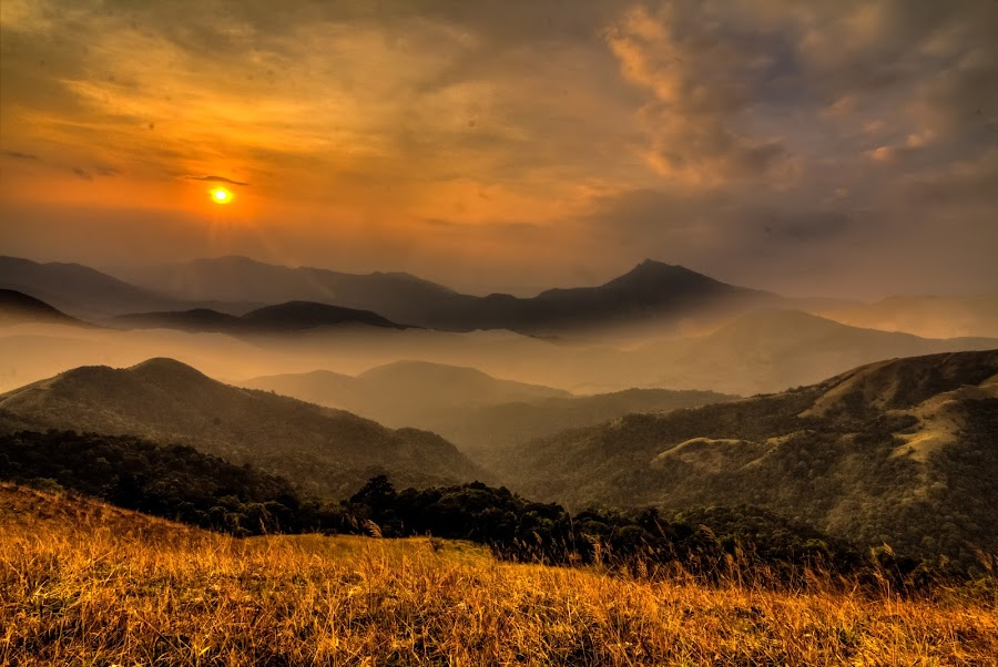 The Dreamy Sunset by Madhujith Venkatakrishna - Landscapes Mountains & Hills ( , golden hour, sunset, sunrise, Earth, Light, Landscapes, Views, relax, tranquil, relaxing, tranquility, #GARYFONGDRAMATICLIGHT, #WTFBOBDAVIS )