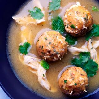 Sopa de Albóndigas de Pollo (Chicken Meatball Soup)