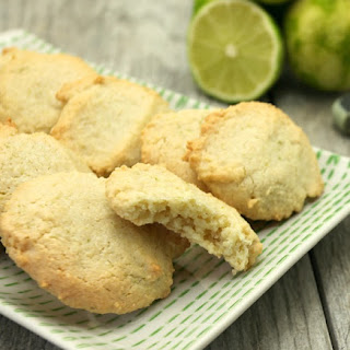 Almond Lime Macaroons {Gluten Free, Low Fat, Low Calorie}