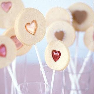 Valentine Sandwich Cookie Pops