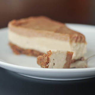 Salted Caramel Cheesecake – Gluten-free, Vegan + Sugar-free {Guest Post by Spabettie)