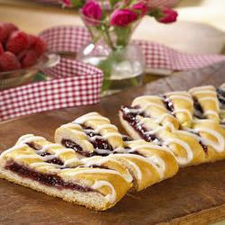 Raspberry Breakfast Braid.