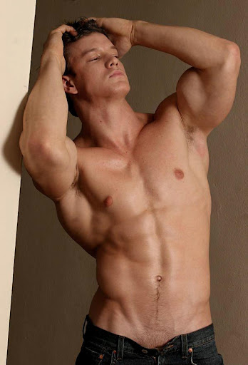 naked muscle men pics