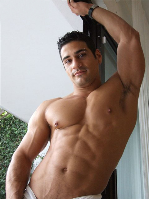Gay Muscular Gallery 76