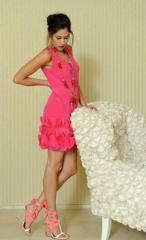 Eliza Doolittle protagonista della campagna primavera estate 2001 Moschino  Cheap and Chic fotografata al Maison Moschino ... e1d74ec3cd2