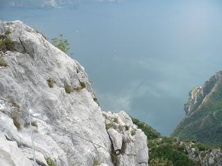 Tiefblick im Fausto-Susatti-Klettersteig