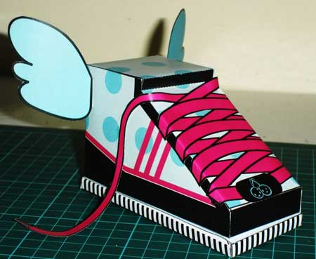 Flying Shoe Paper Toy Bubbles