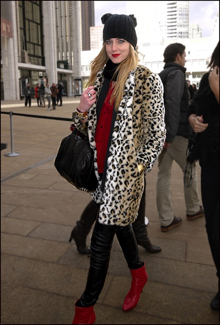 w red boots leopard coat black hat ol