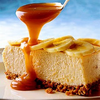 Banoffee Cheesecake with Toffee Pecan Sauce