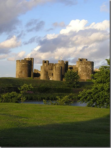 caerphilly castle at dusk
