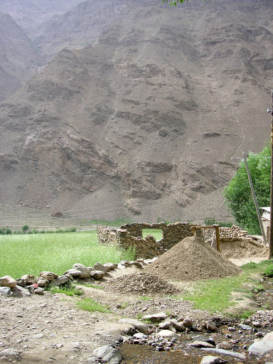 Village de Sist dans le Pamir occidental (Sud de Khorog), 2320 m, 7 juillet 2008. Photo : Jean-François Charmeux