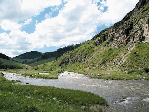 La rivière Sema en aval de Shebalino (alt. 900 m). 6 juillet 2010. Photo : J. Marquet
