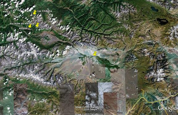 Kosh Agatch (à proximité de la Mongolie). Au nord : les Monts Severo-Chuyskij ; au sud : les mots Yuzhno-Chuyskij