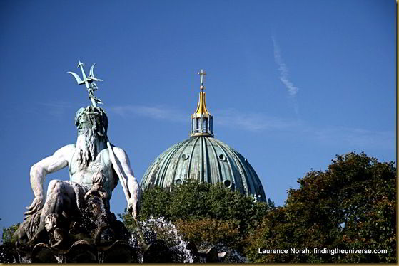 Berlin Dom and fountain