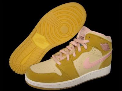 wholesale dealer b57d1 8a2f5 http   solecollector.com shoes nike-shoes jordan-shoes shoes jordan air- jordan-1-retro-hare-releasing-april-11th