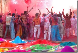 holi_group