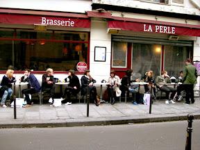 best restaurants in paris la perle in le marais le best of paris. Black Bedroom Furniture Sets. Home Design Ideas