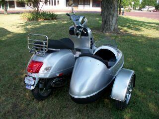 Modern Vespa : Texas Sidecar!