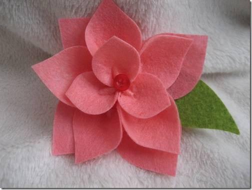 Manualidades navidad flor de pascua en fieltro para poner en los regalos - Manualidades en fieltro para navidad ...