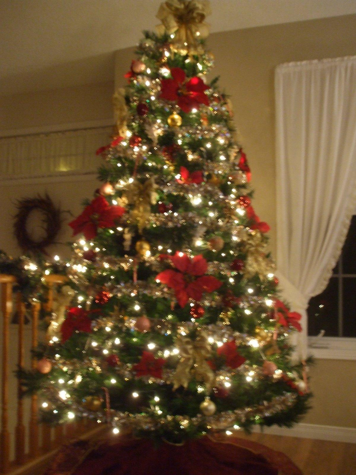 Kindred Footprints: Advent Calendar ~ The Christmas Tree