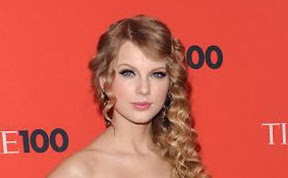 taylor-swift-mine-official-video-buzzing-in-web