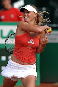 caroline-wozniacki-photos-hot-pictures-create-buzz-more-than-us-open-tennis-match