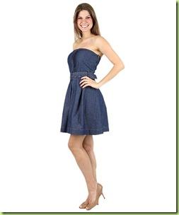 da13142da Reconhecida por criar roupas que realçam a feminilidade