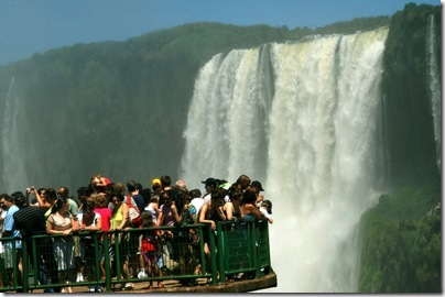 3%20-%20cataratas%20do%20iguau_%20foto%20adilson%20borges